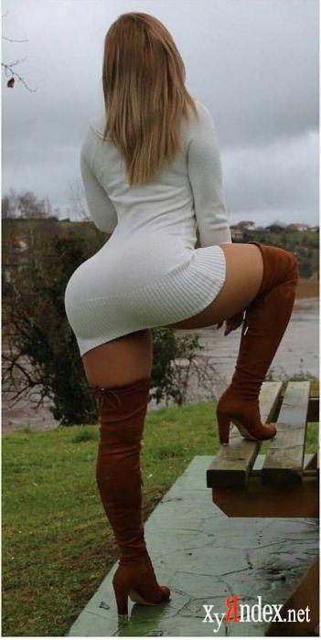 порно красоток в коротких платьях фото
