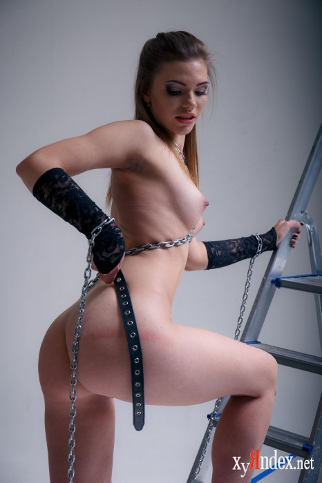 "Mia Luna ""Punished"" (40 фото)"