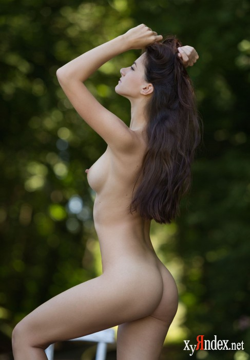 "Lauren ""On The Right Track"" (40 фото)"