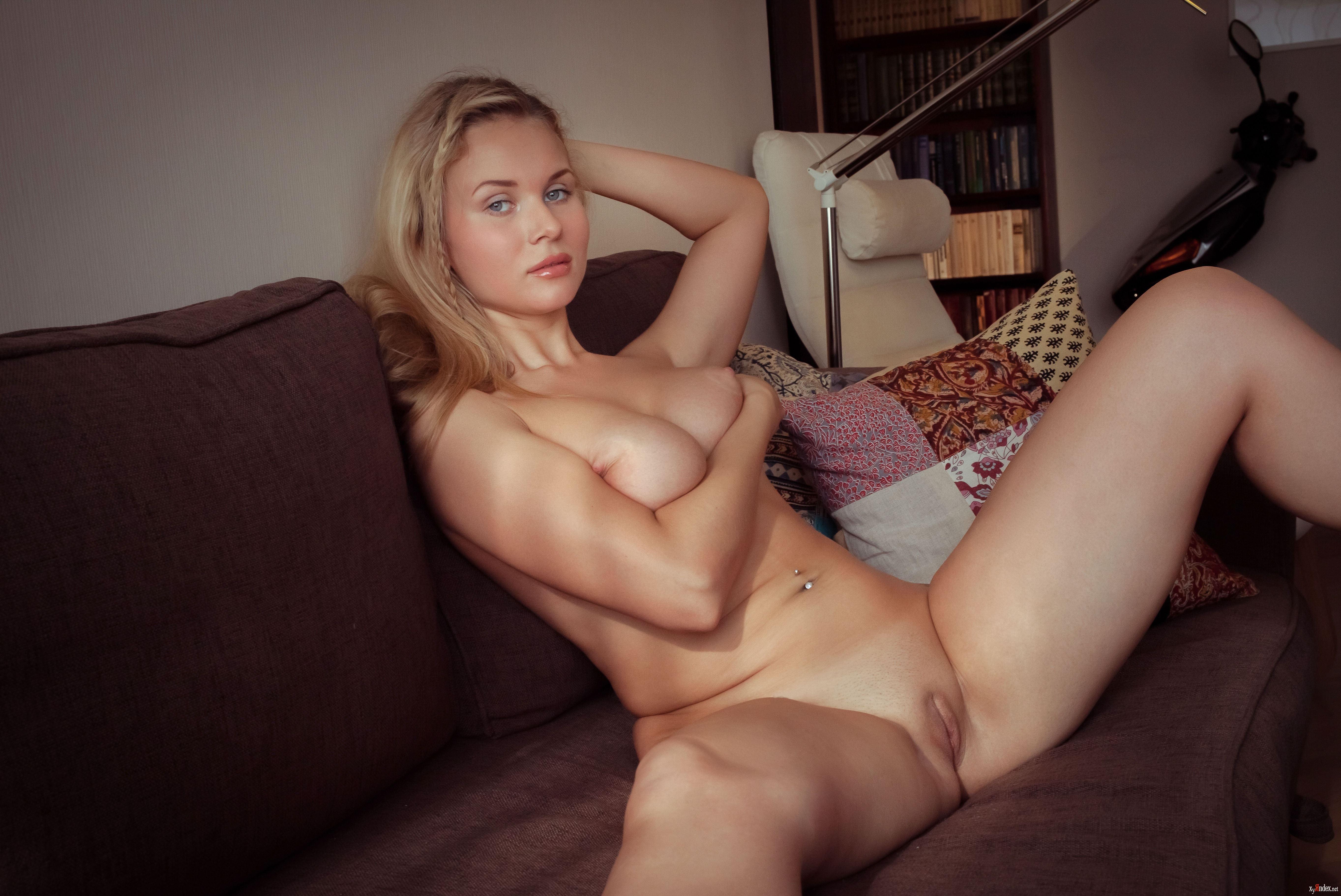 Blakiston nackt Caroline  Discover Caroline