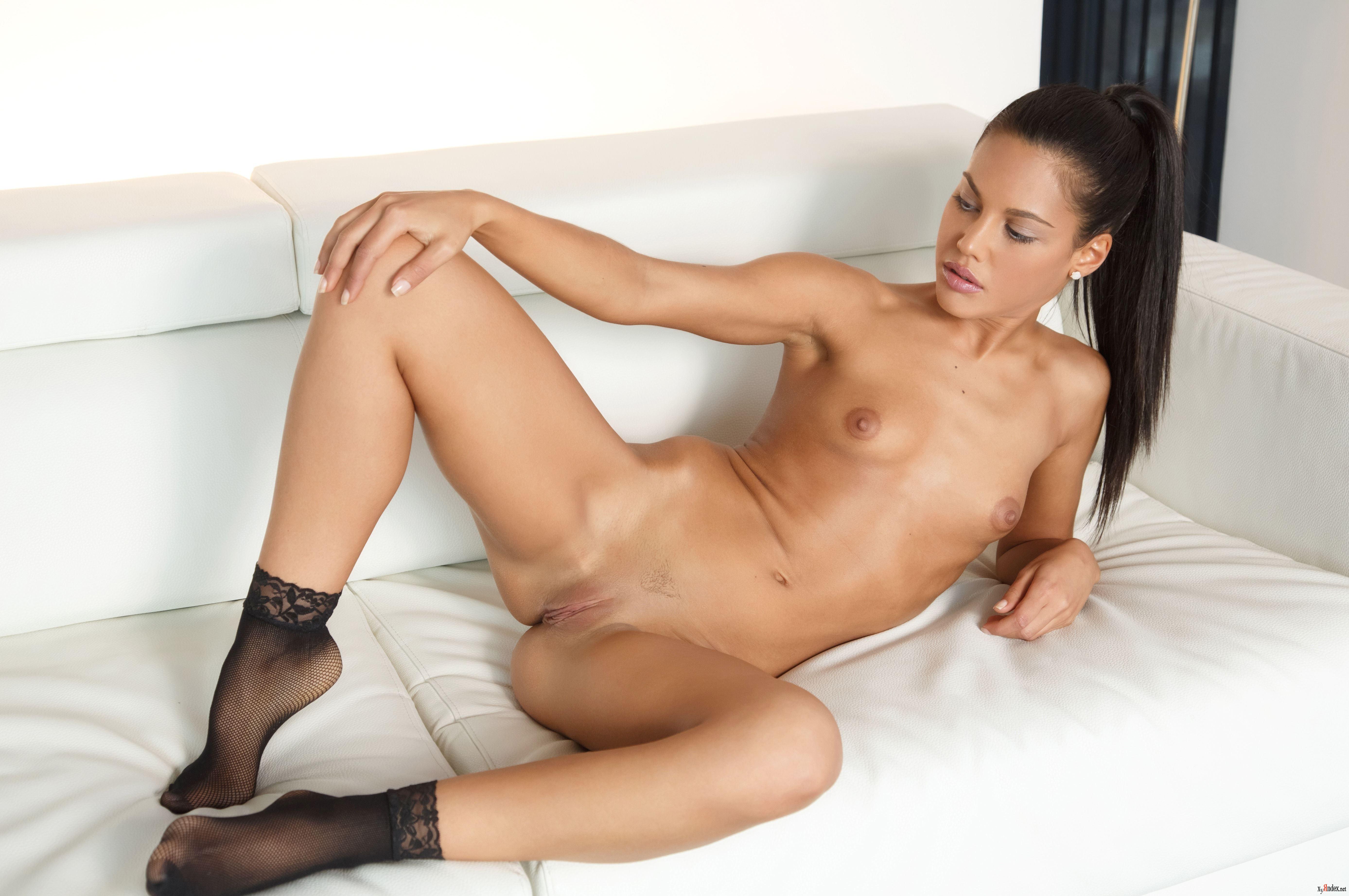 apollonia-nude-pics-mixed-wrestling-scissor