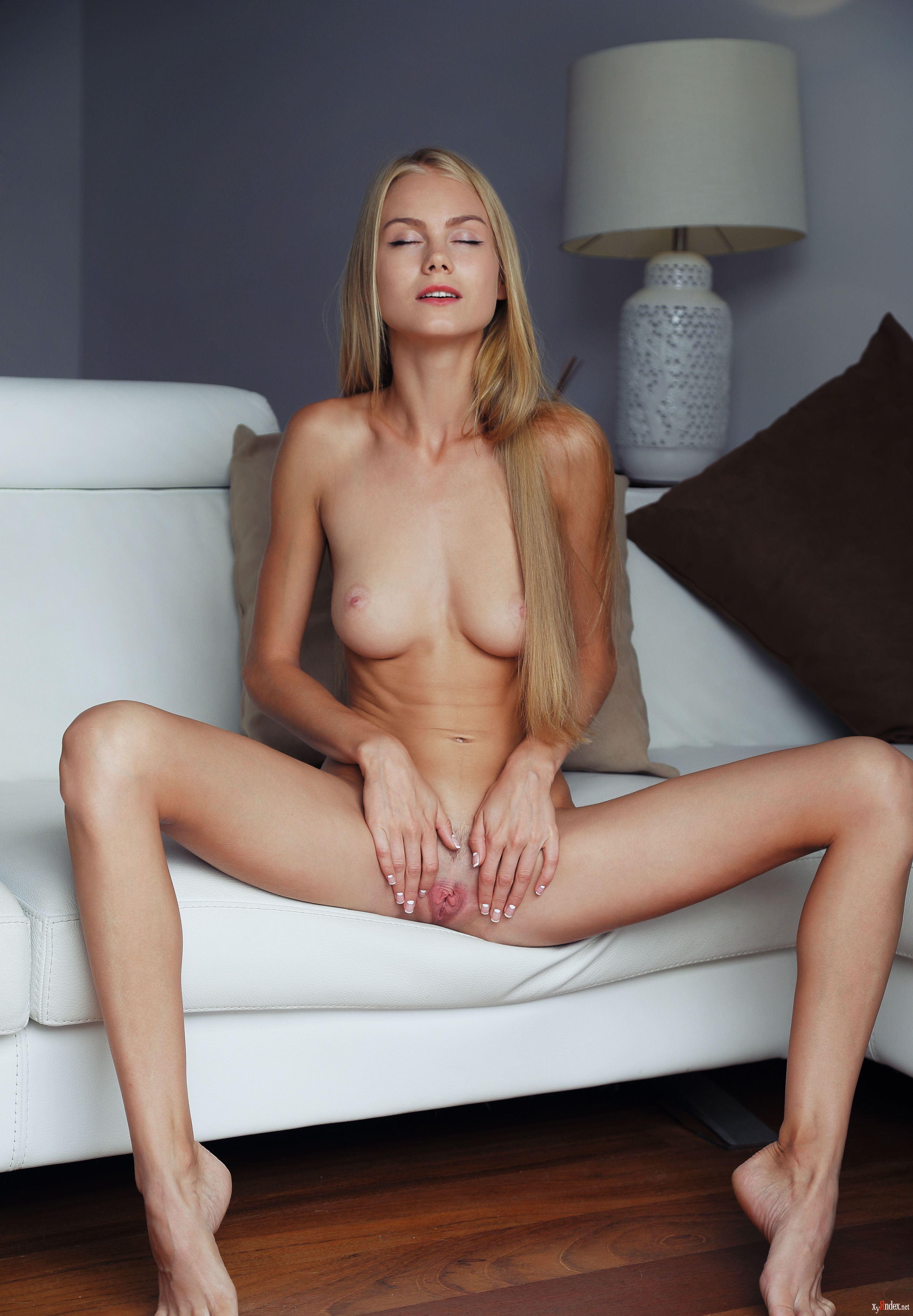 Nancy Allen Nude Pics