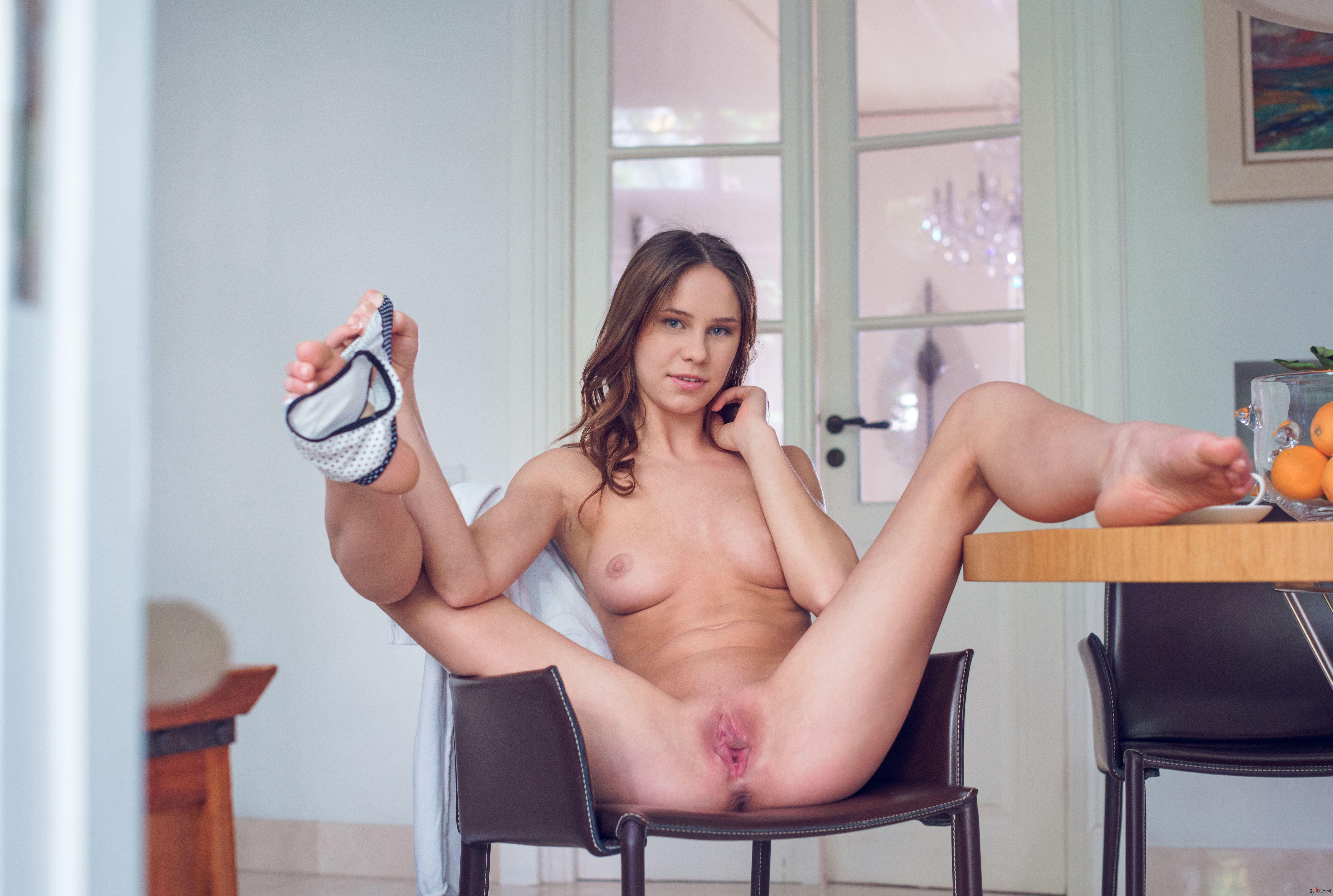 Barbara Vie Nude In Presenting Barbara Vie