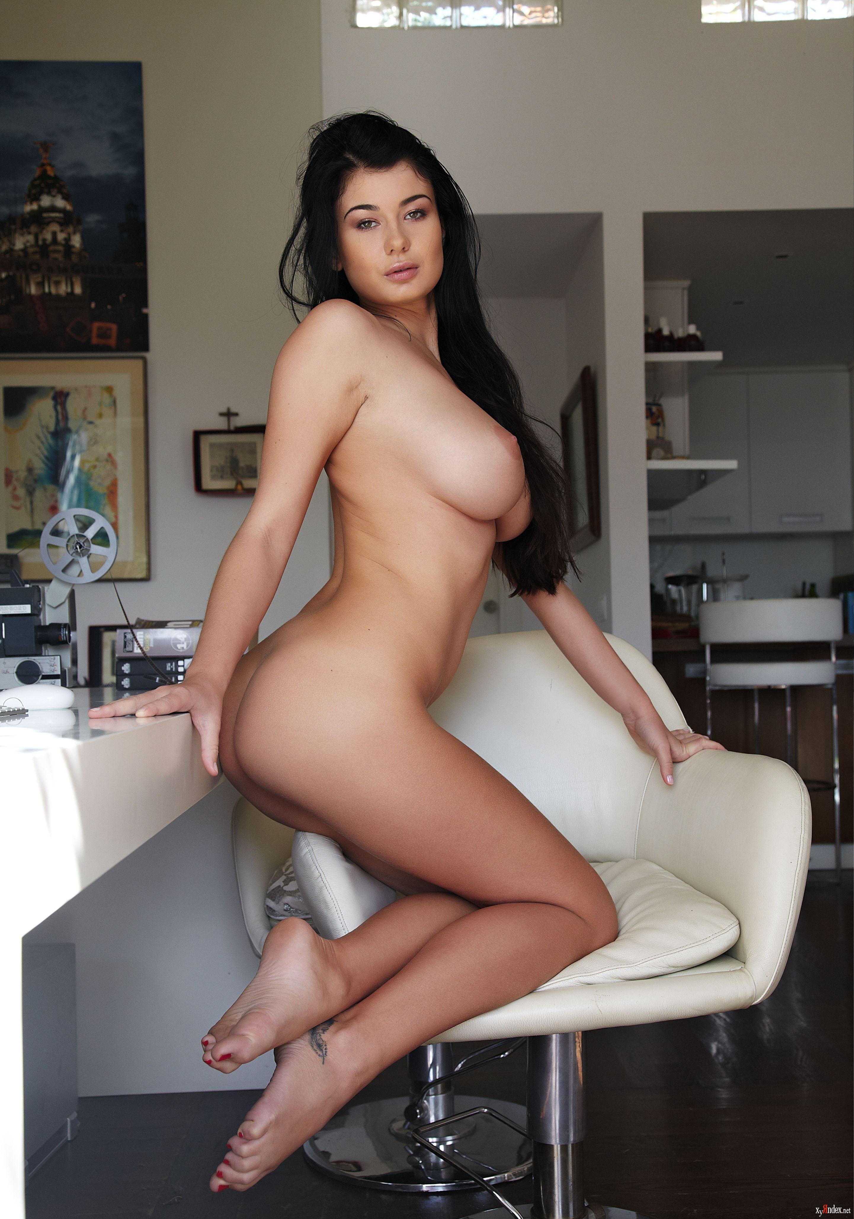 pornozvezda-lyusi-li-rost-ves-katey