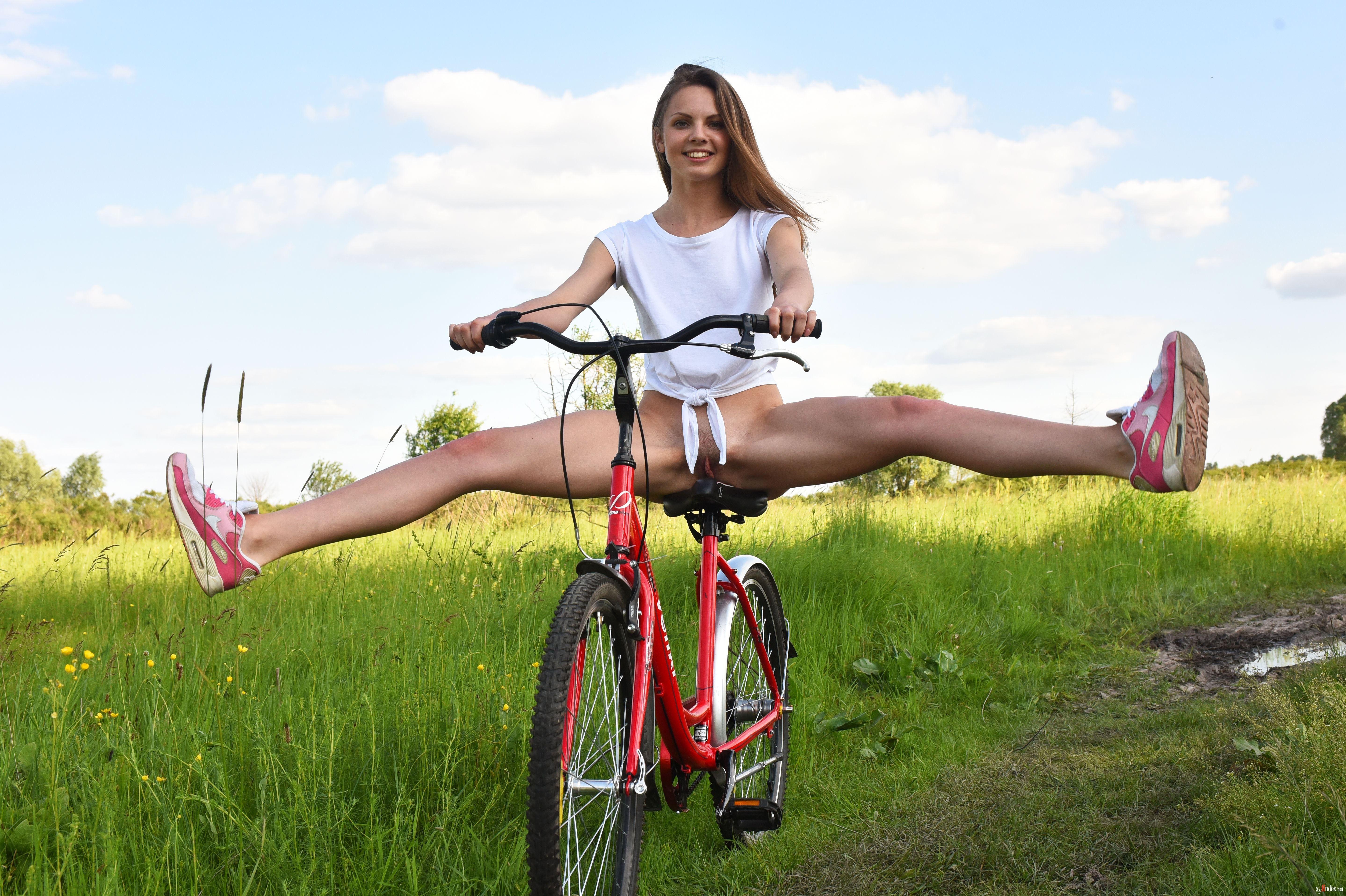 нравится когда фото эро на велосипеде очень рад