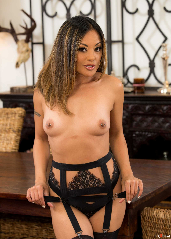 Kaylani lei breasts — img 11