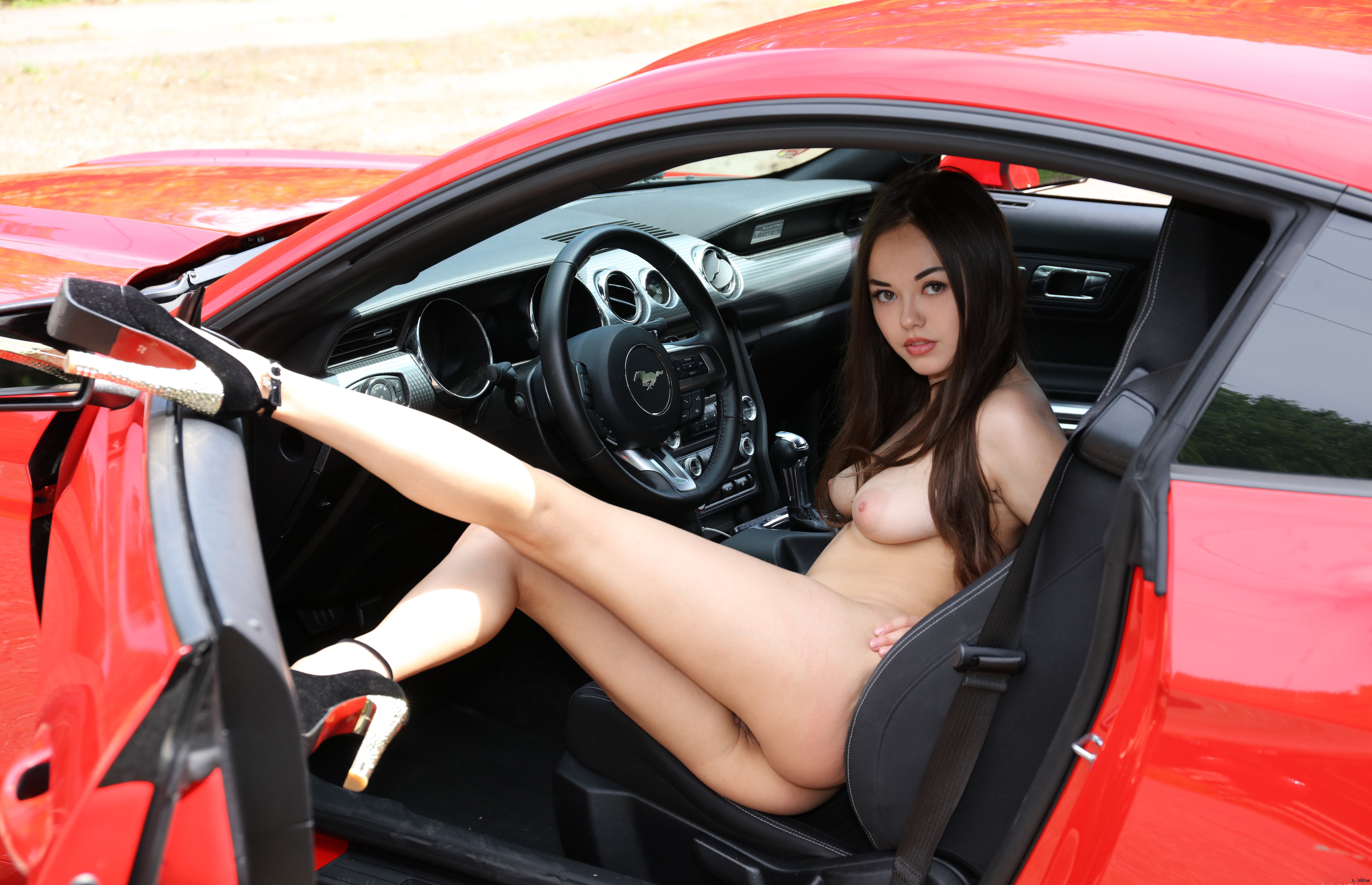 Hot Naked Chicks In Cool Cars