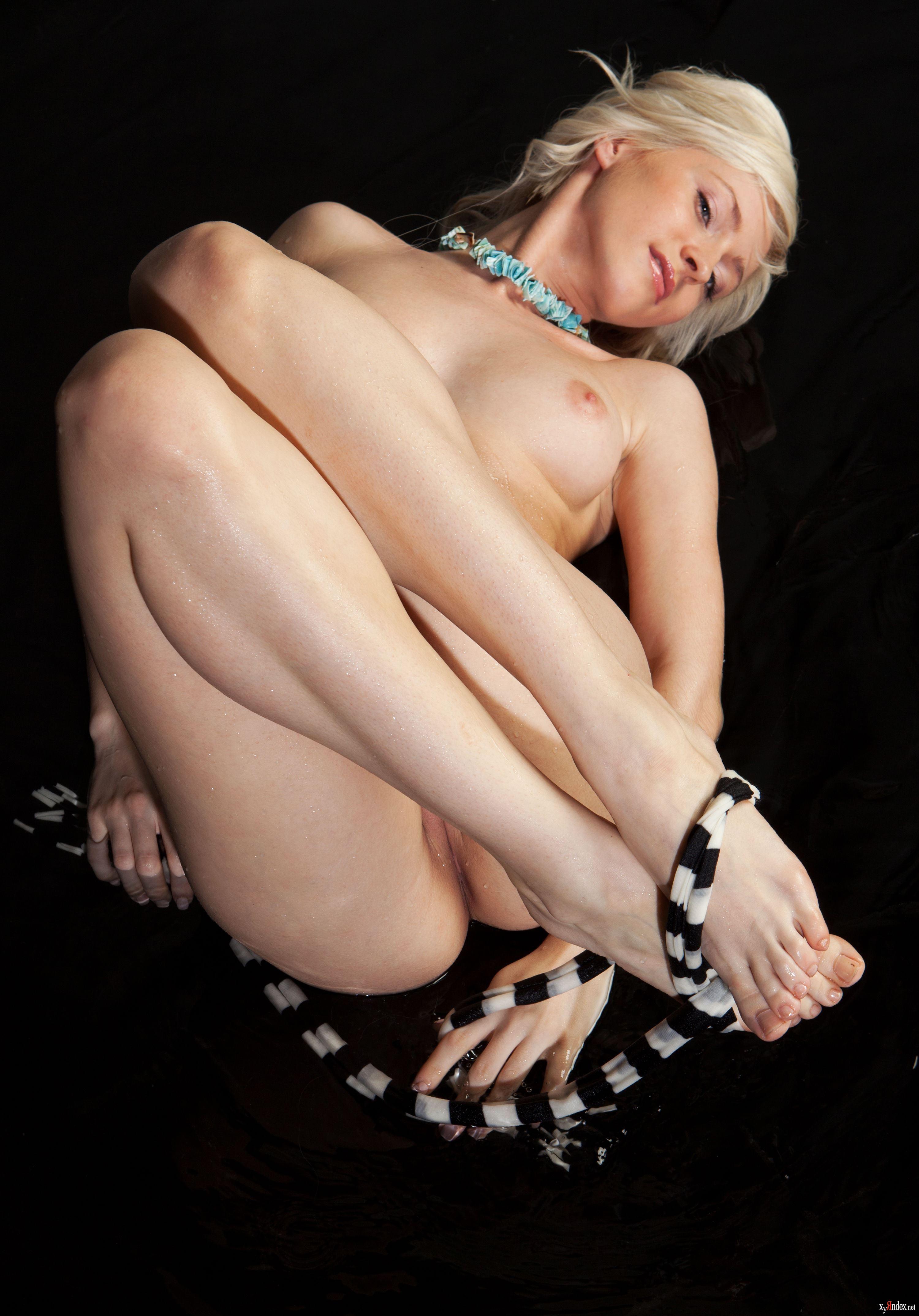 Janelle casanave nude pics