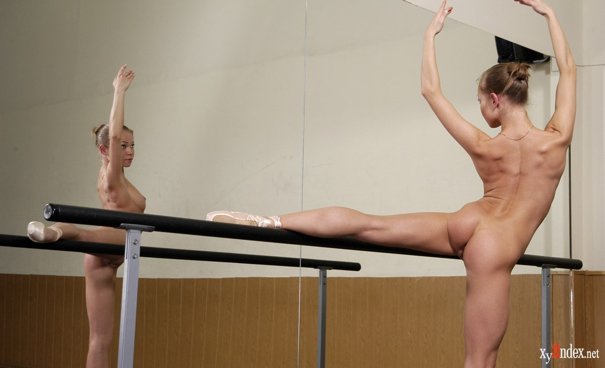 sport-prikoli-foto-golaya-gimnastika