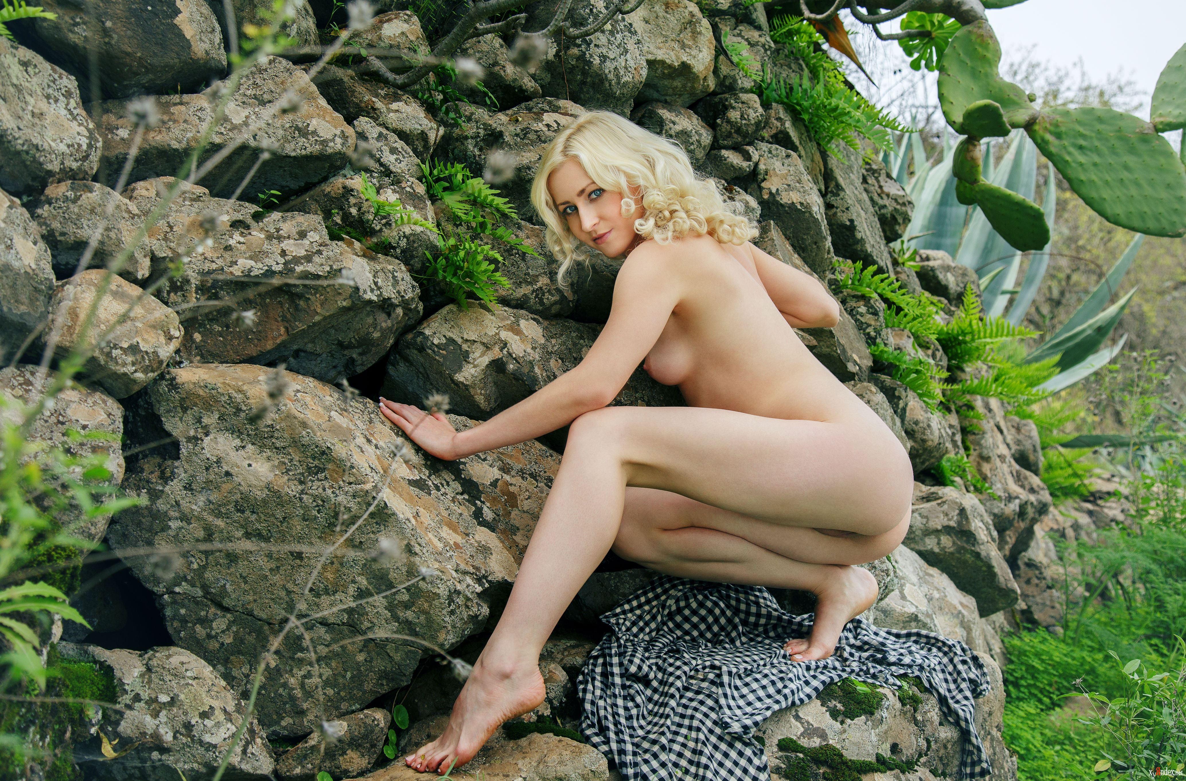 Janelle nude perzina photo