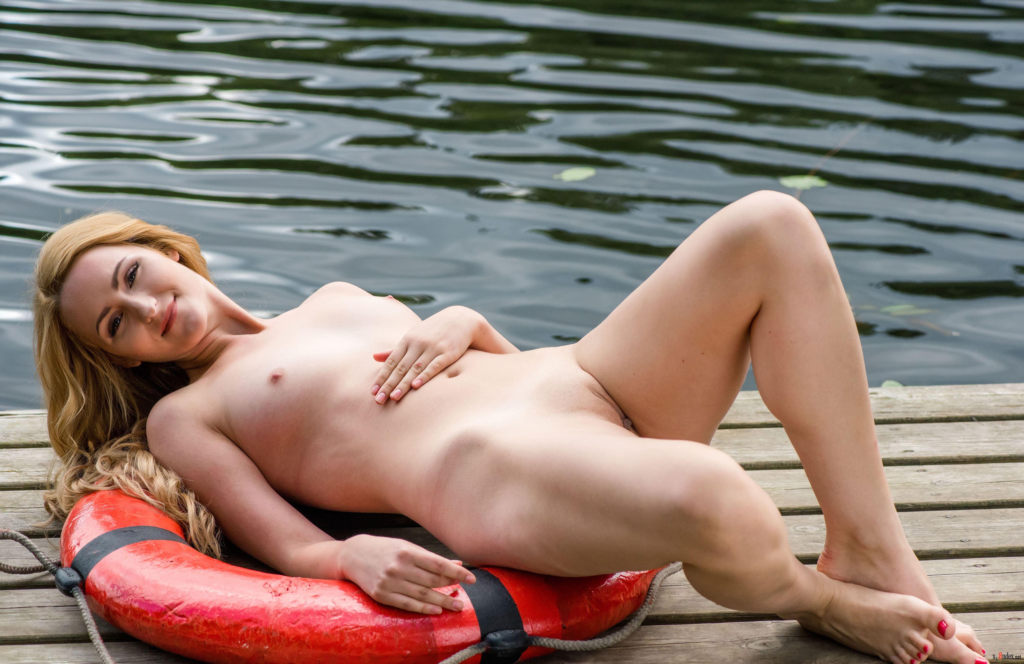 Trish Stratus Celebrity Nude Pics