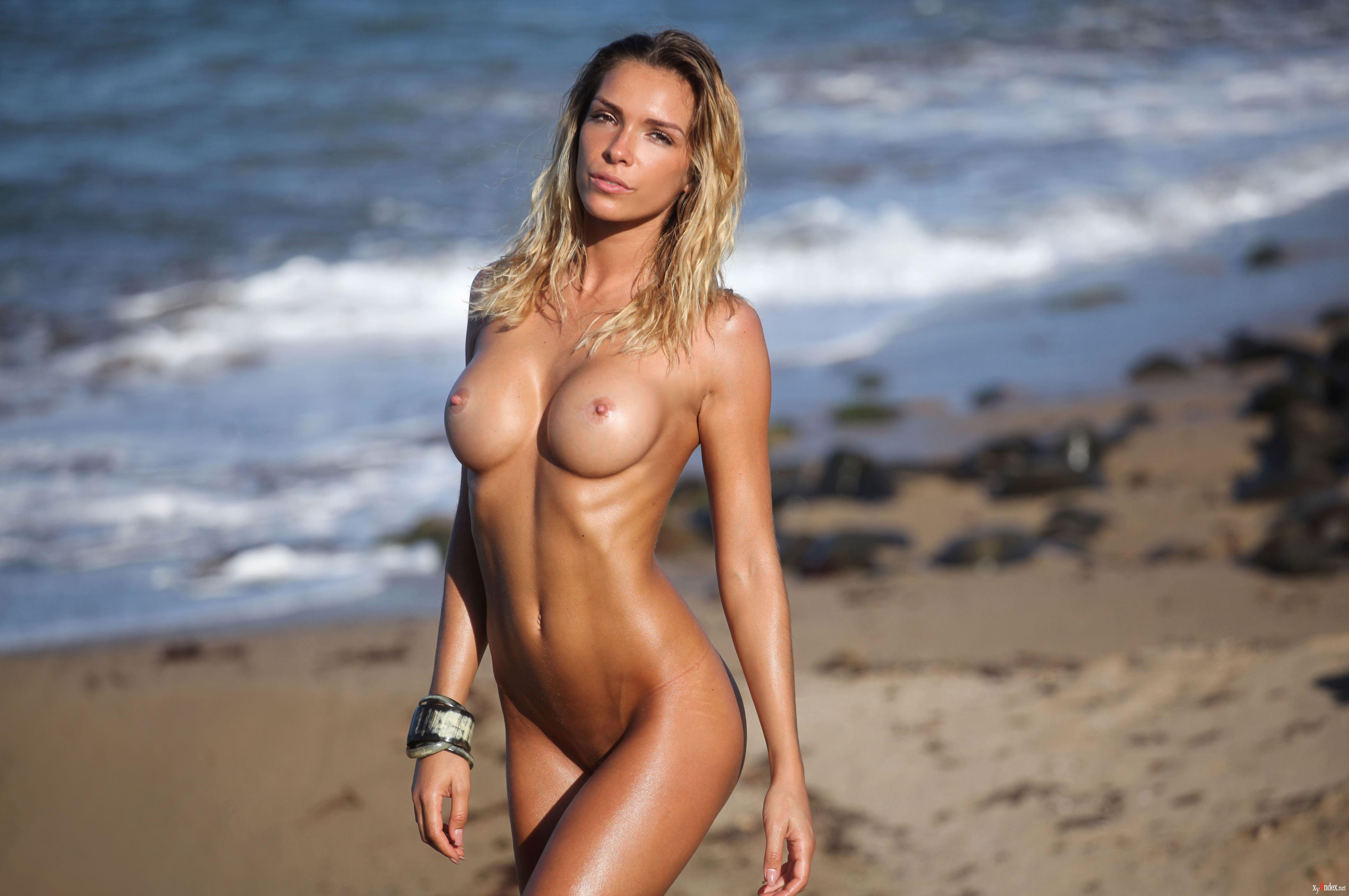Amber survivor nude — 4