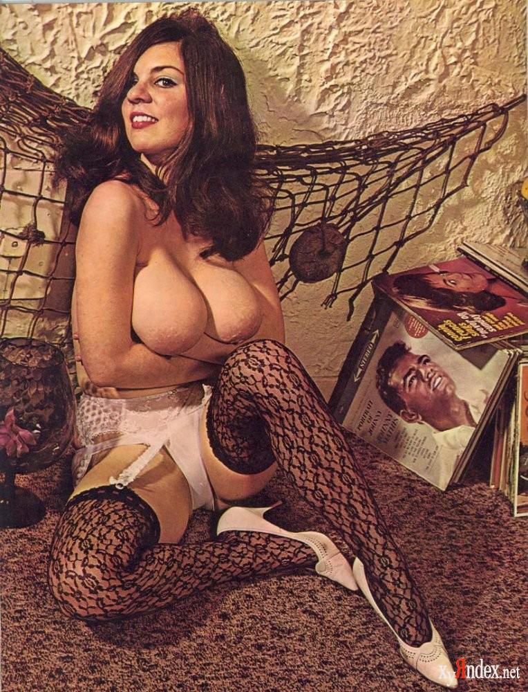 sexy-nude-retro-girl