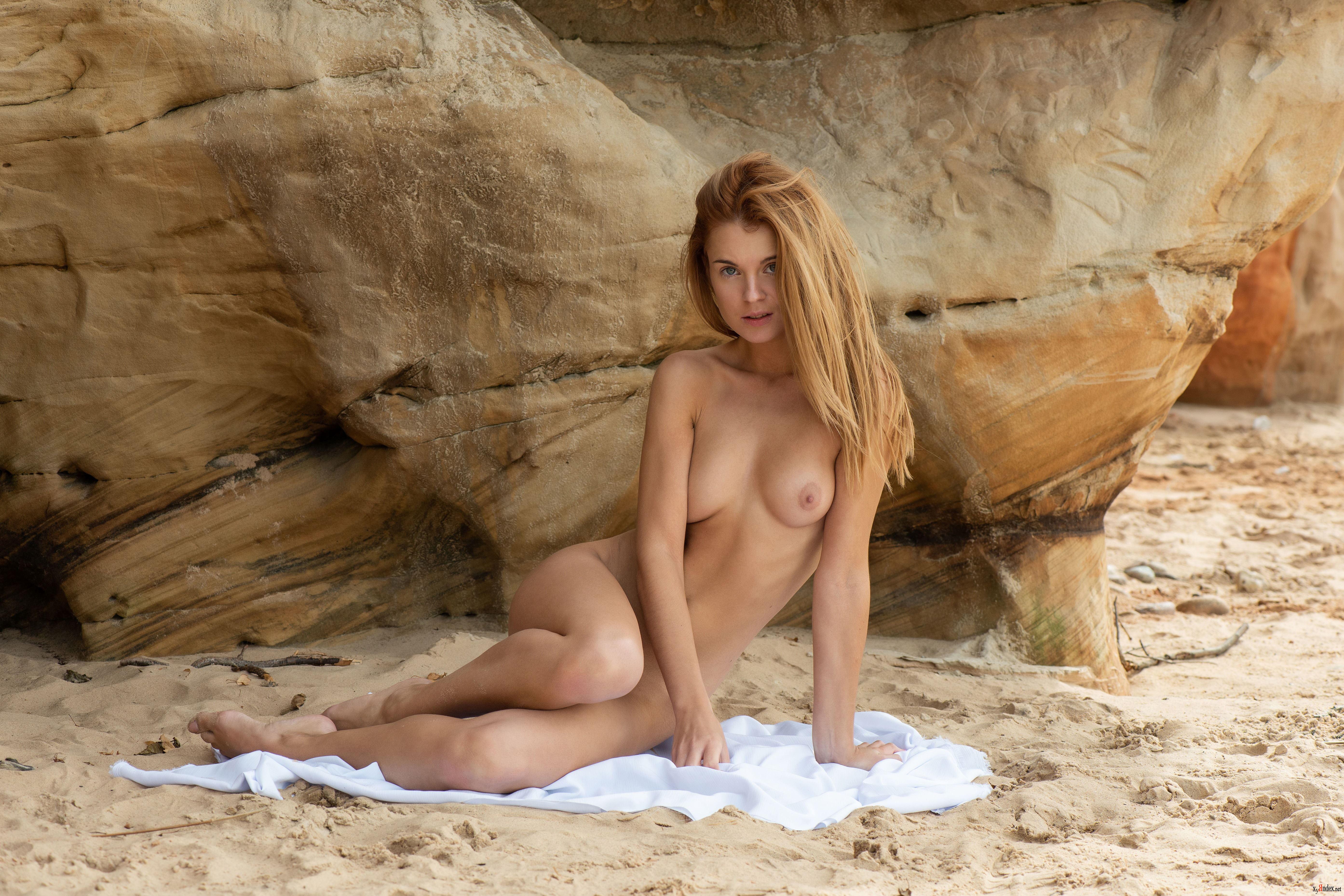 Spanish nude tv host free sex pics