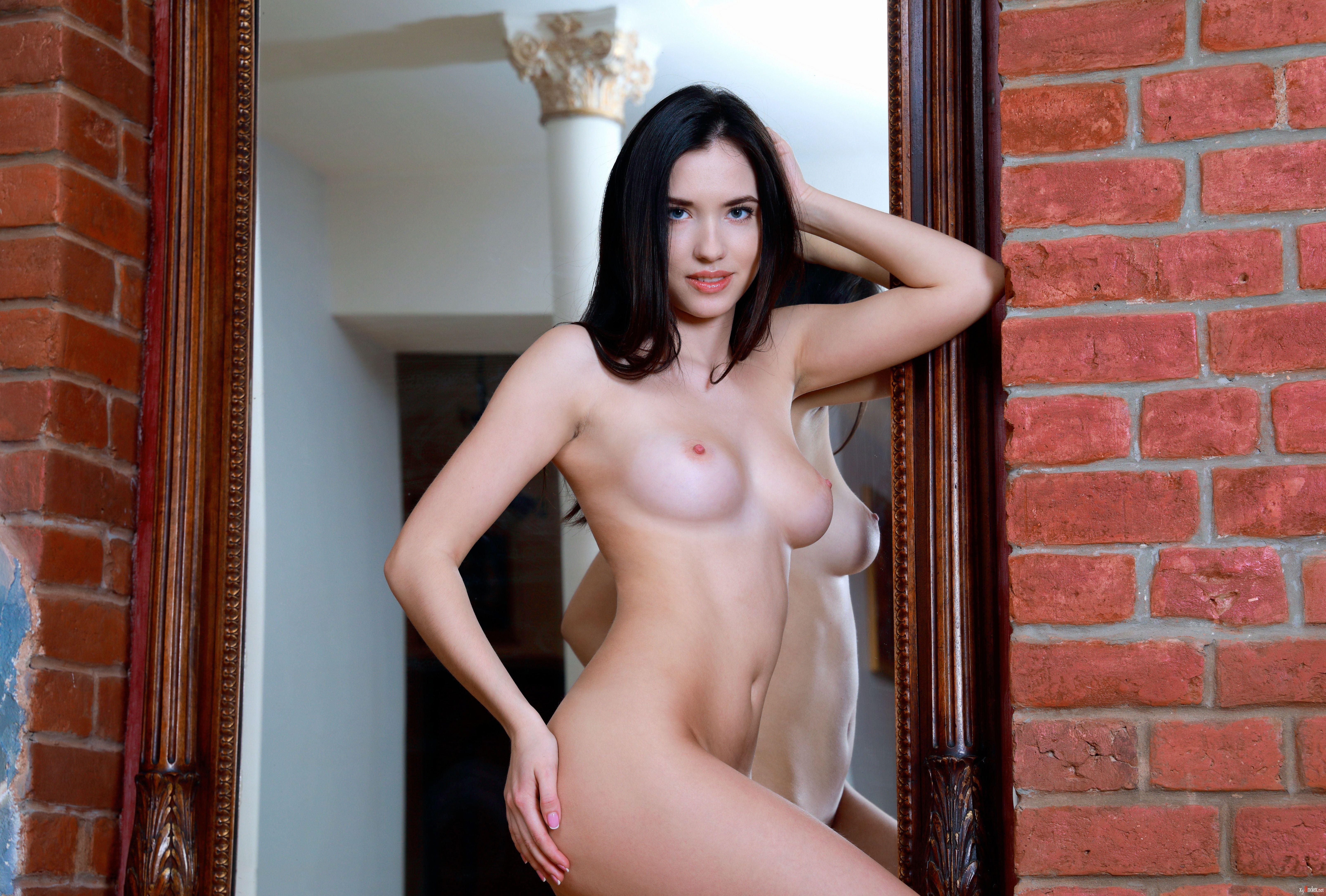 Ash graceful nude
