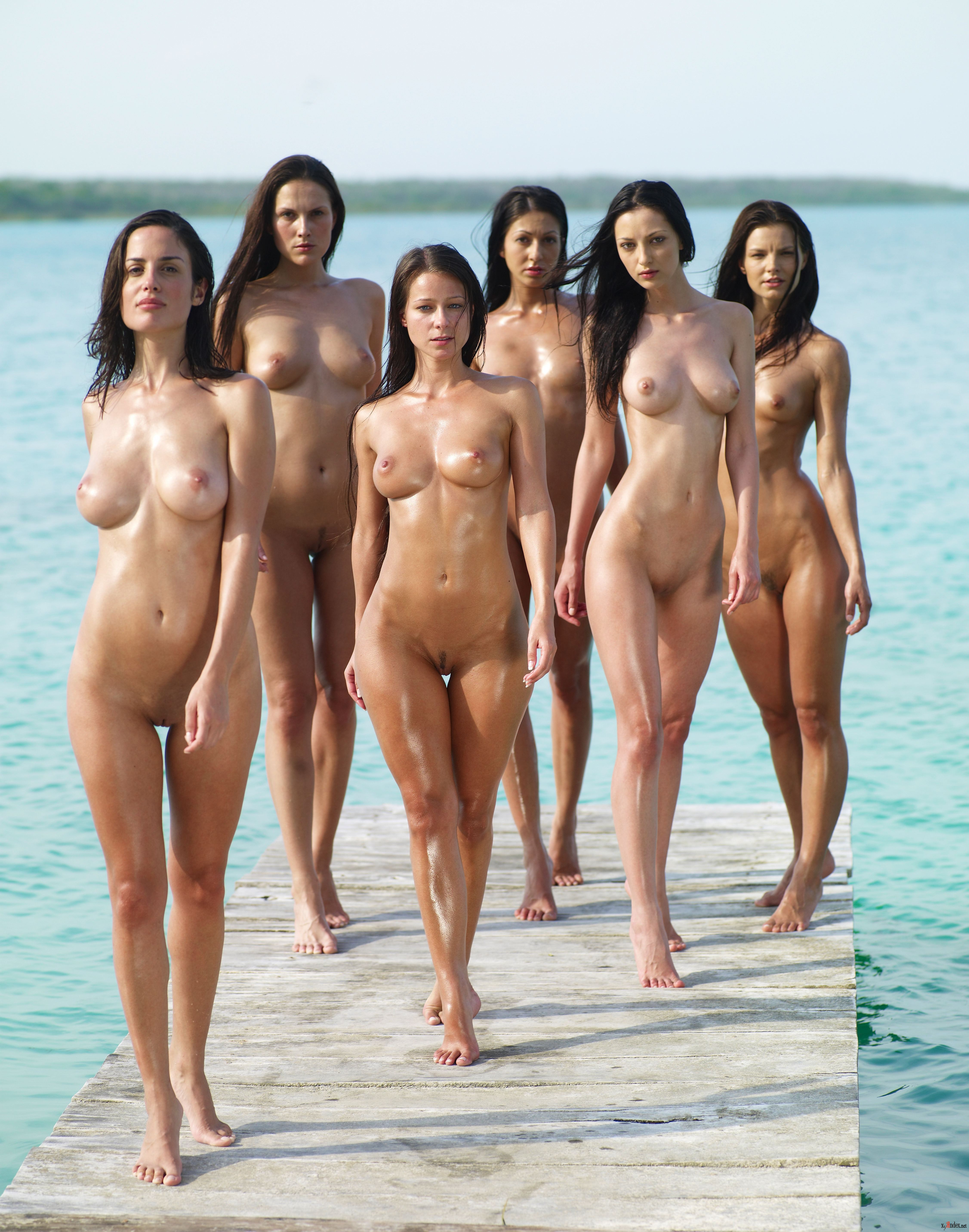 Kim Kardashian Nude Photos