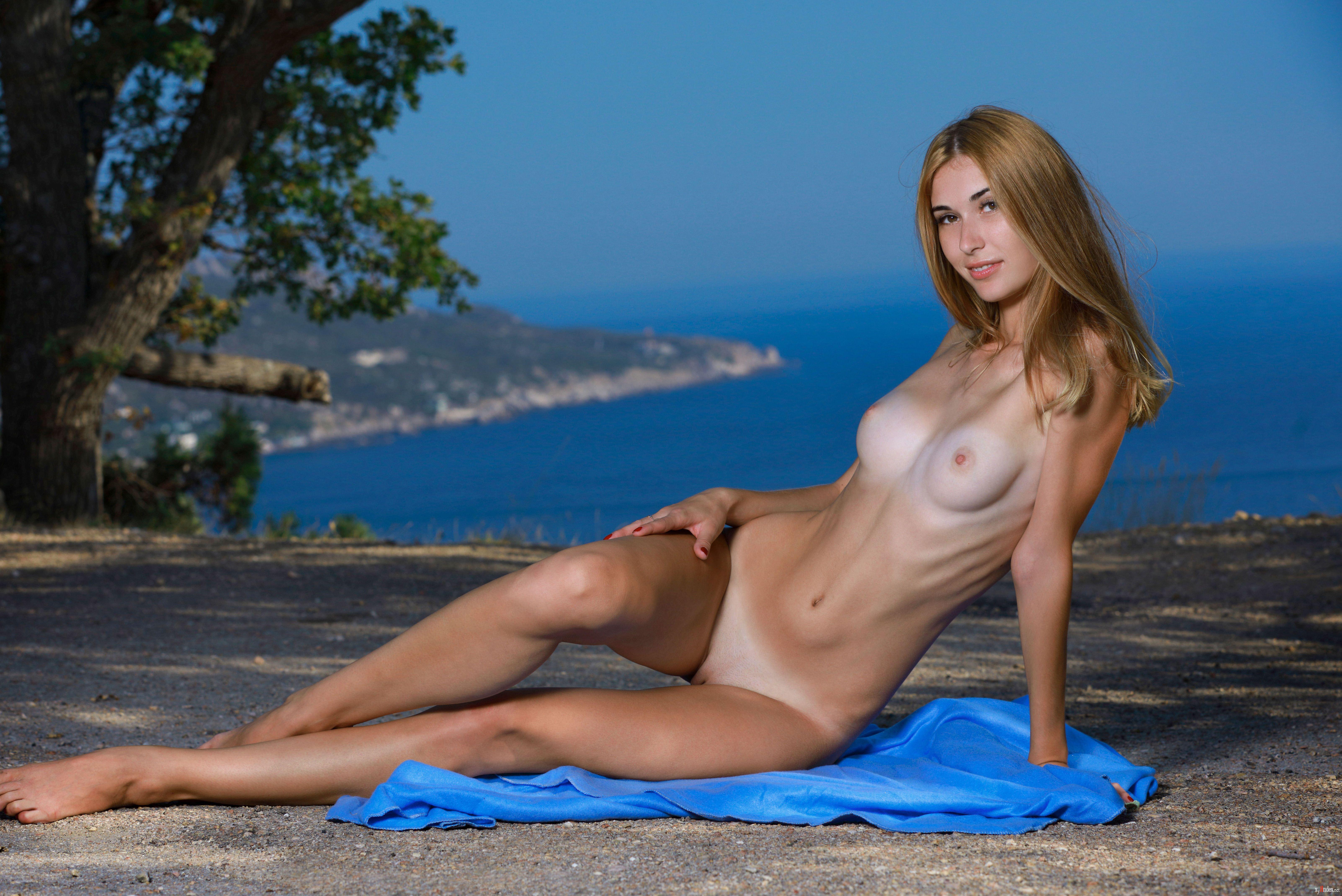 Melanie Griffith Nude Teen Goddess Night Moves