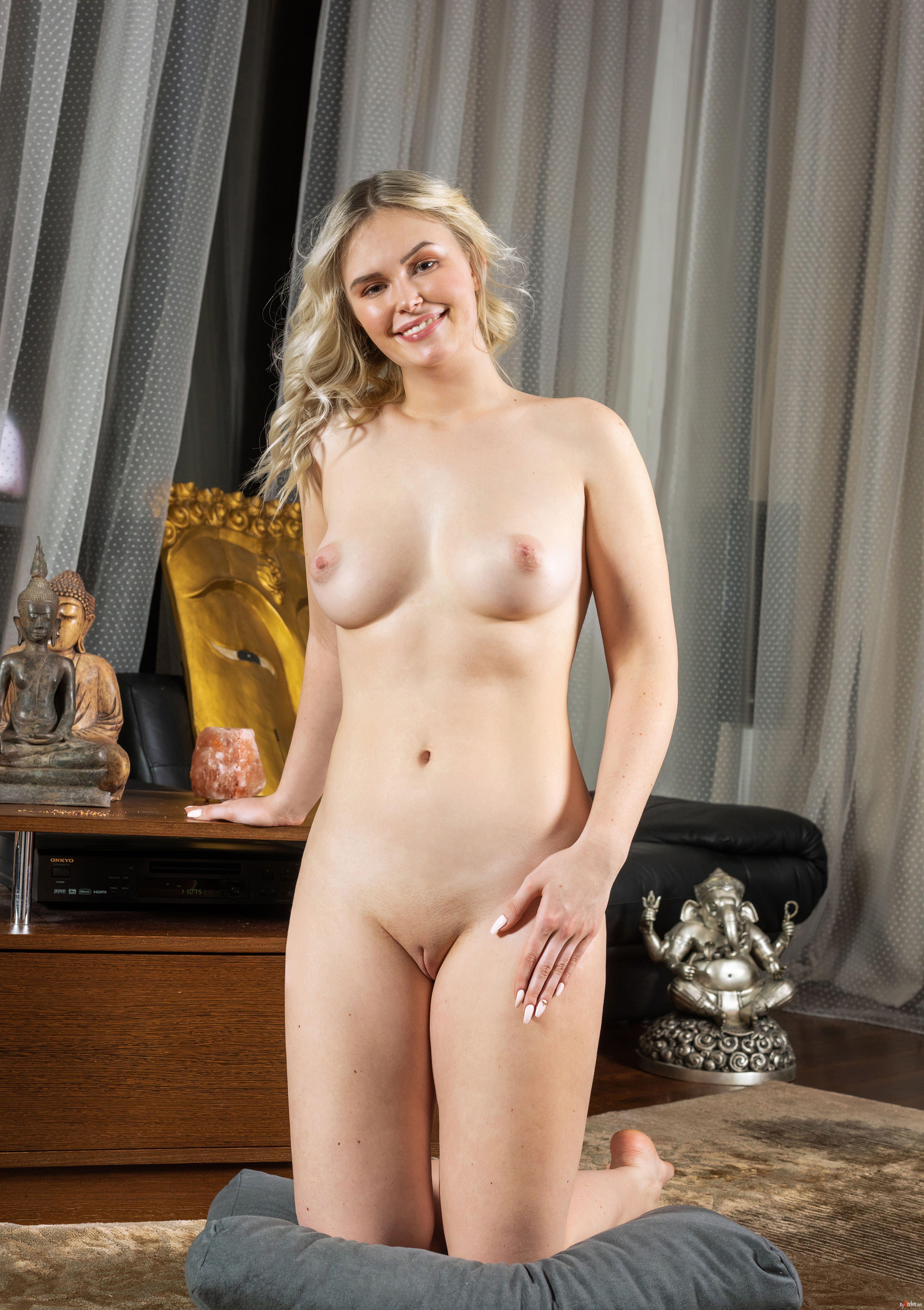 Ruth Nude In Erotic Cozy Gallery